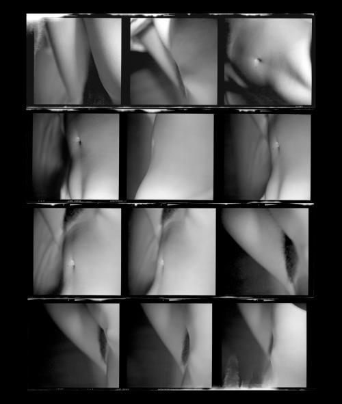 Fotografia de Ernesto de Sousa,1972-1975/ Prova de contacto6x6cm. Rolo IlfordFP4 Panchromatic Fine Grain. Copyright CEMES. Impressãoa Jacto de Tinta 8 cores HPem papel HP Premium Instant-dry, 29x24,5cm, 2014